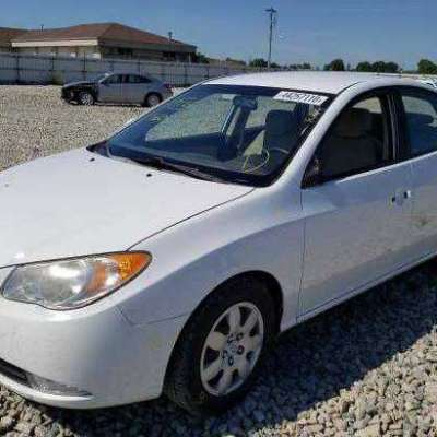 2008 Hyundai Elantra going for N400,000 Profile Picture